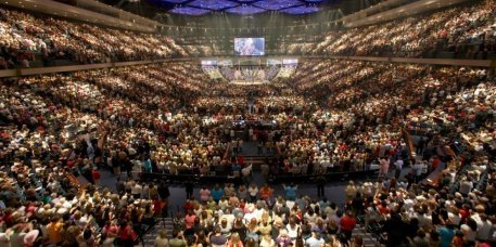 o-LAKEWOOD-CHURCH-facebook